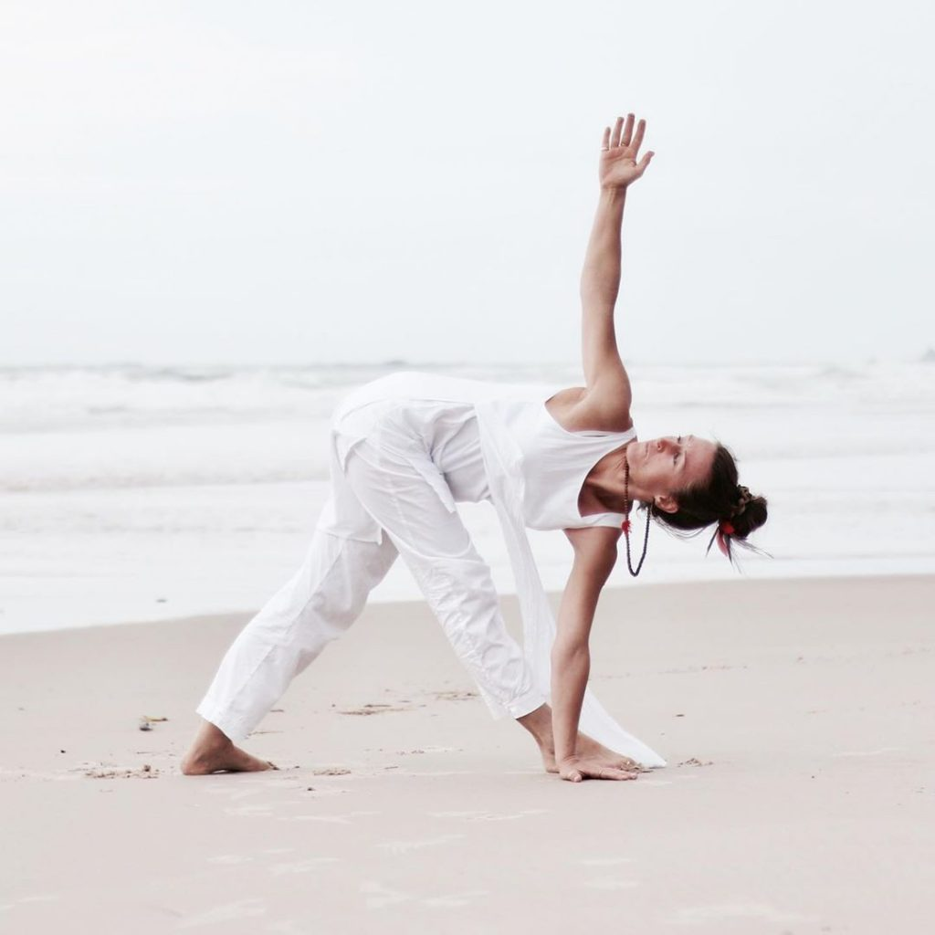 Method of Doing Parivrtta Trikonasana