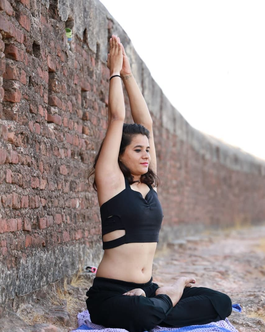 What does it Mean By Parvatasana